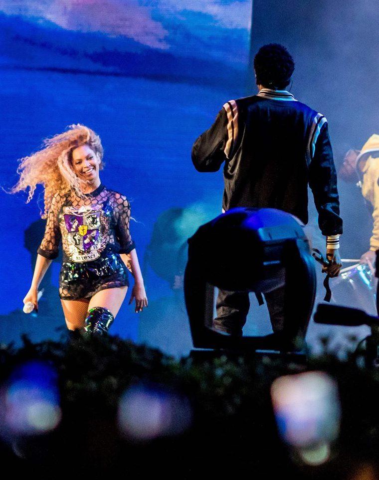 """Beyonce interpreta el tema """"Deja Vu"""", con su esposo, el rapero Jay Z. (Foto Prensa Libre, AFP)."""