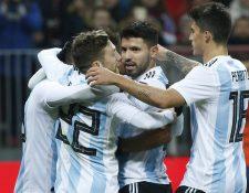 Argentina aún no logra darle tranquilidad a su afición cuando faltan siete meses para el Mundial. (Foto Prensa Libre: EFE)