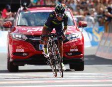 Nairo Quintana tomó el liderato de Giro a dos etapas del final de la competencia. (Foto Prensa Libre: AFP).