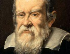 Galileo Galilei pasó los últimos años de su vida encerrado en su casa, por defender la teoría heliocéntrica de Nicolás Copérnico.