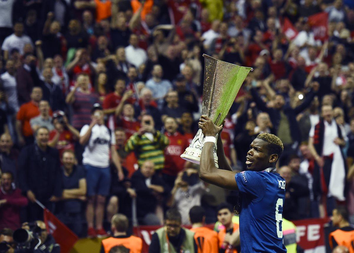El francés Paul Pogba le dedica la victoria del Mánchester United en la final de la Europa League a las víctimas del atentado terrorista en Mánchester. (Foto Prensa Libre: AFP).