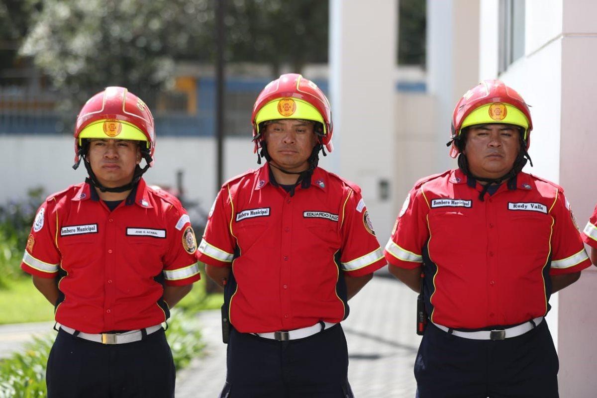 El Cuerpo de Bomberos Municipales de la ciudad de Guatemala tiene mil 200 rescatistas, entre personal permanente y <em>ad honorem</em>. (Foto Prensa Libre: Óscar Rivas)