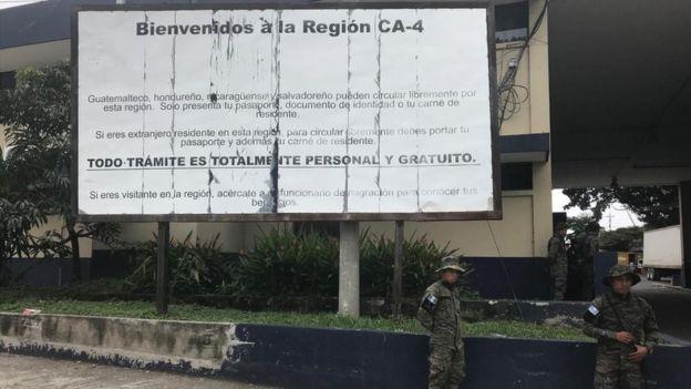 El Convenio Centroamericano de libre movilidad, conocido como CA-4, da libre paso a los ciudadanos de los cuatro países del norte de Centroamérica: Guatemala, El Salvador, Honduras y Nicaragua.