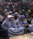 Foto de archivo muestra las niñas que paraticipan en la oración en Nigeria.(AFP).