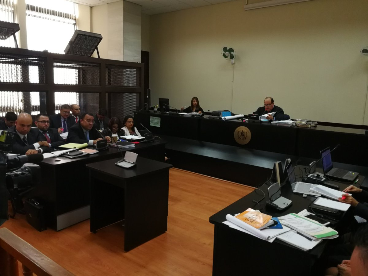 Este lunes se realizó la audiencia de primera declaración de los implicados en el caso Traficantes de Influencias. (Foto Prensa Libre: Manuel Hernández)