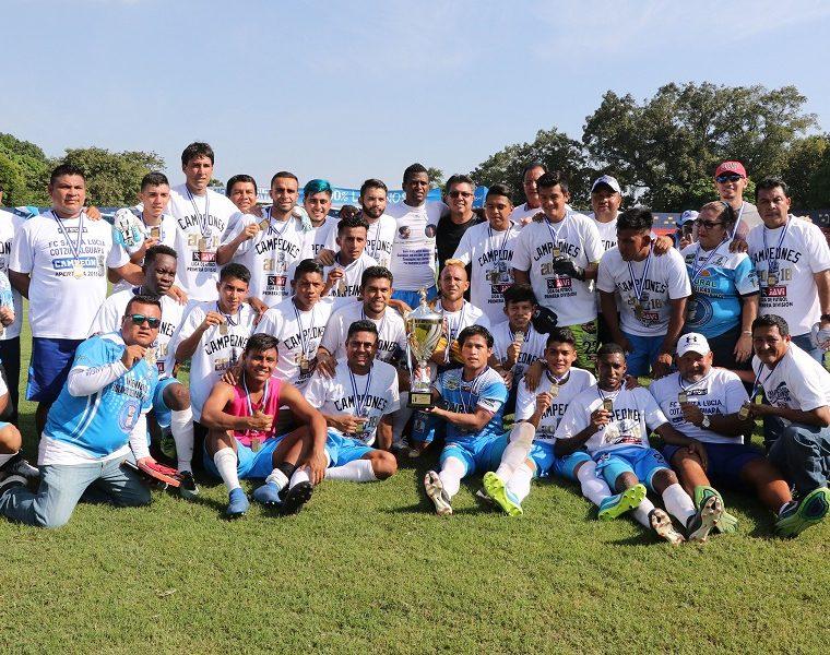 El equipo de Santa Lucía Cotzumalguapa ganó el Apertura 2018 y sueña con ascender a la Liga Nacional. (Foto Prensa Libre: Carlos Paredes)