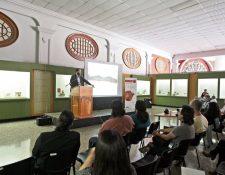 Durante cinco días, expertos, investigadores, profesionales, estudiantes y público en general debaten respecto de los nuevos descubrimientos en Mesoamérica, en el marco del Simposio de Arqueología.