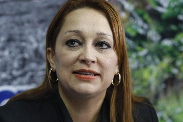 El mandatario confirmó el 8 de enero último la salida de Roxana Sobenes al frente del Ministerio de Ambiente.