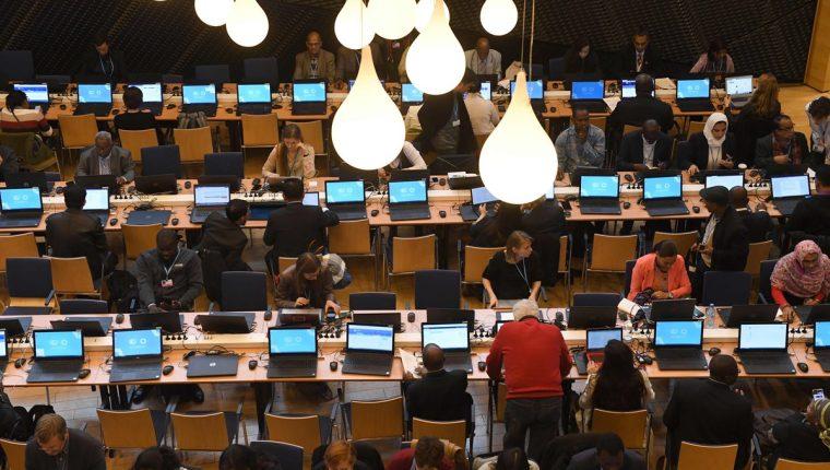 Los muchos recursos derrochados en las COPs son una contradicción. (Foto Prensa Libre: AFP)