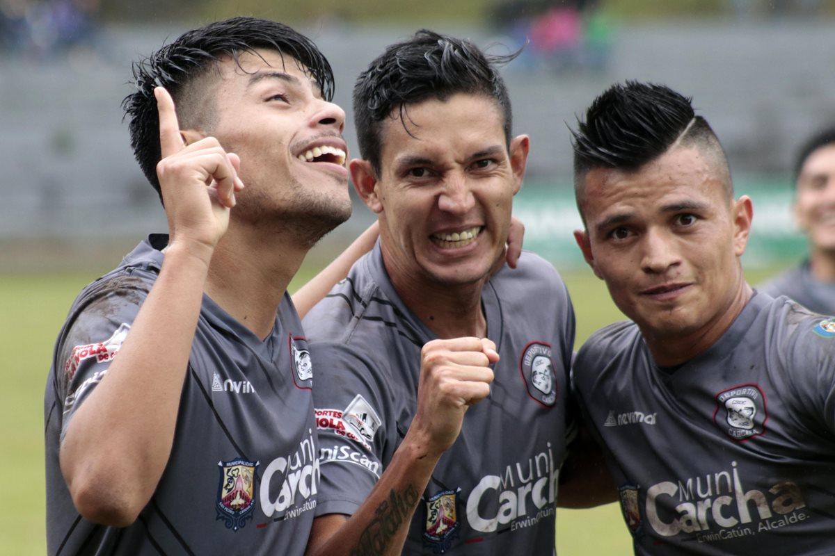Primera División   Ocho equipos siguen en la pelea por el título