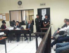 Emerson Marroquín en la audiencia de primera declaración en un juzgado de Xela.(Foto Prensa Libre: María José Longo).