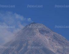 Flujos piroclásticos, flujos de lava y avalanchas son posibles en esta fase eruptiva. (Foto Prensa Libre: Carlos Paredes)