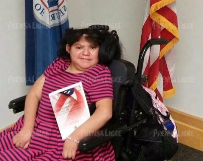 María Teresa Cajas adquirió la ciudadanía estadounidense este jueves. (Foto Prensa Libre: Werner Cajas)