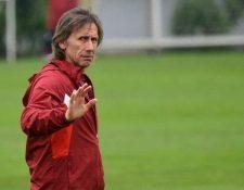 El entrenador argentino Ricardo Gareca se encuentra entre los mejores pagados del mundo. (Foto Prensa Libre: AFP)
