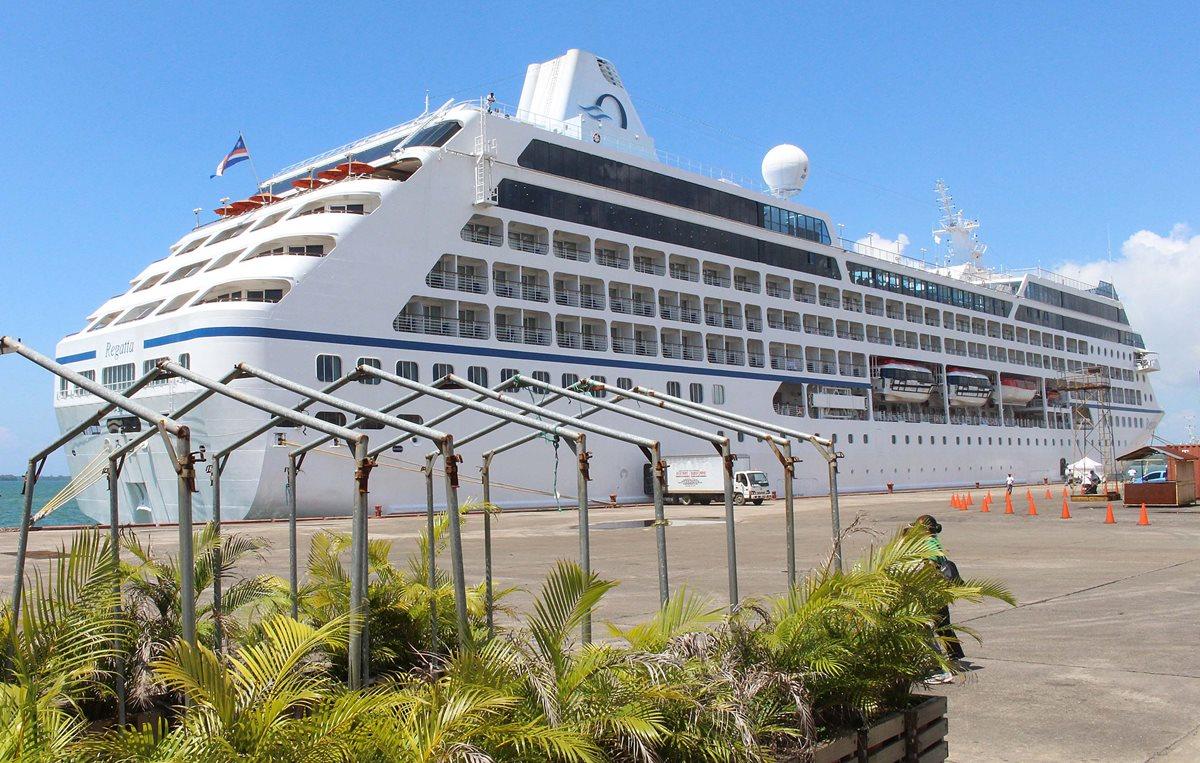 20 mil 661 pasajeros de diversos países llegan en la presente temporada. (Foto Prensa Libre: Dony Stewart)