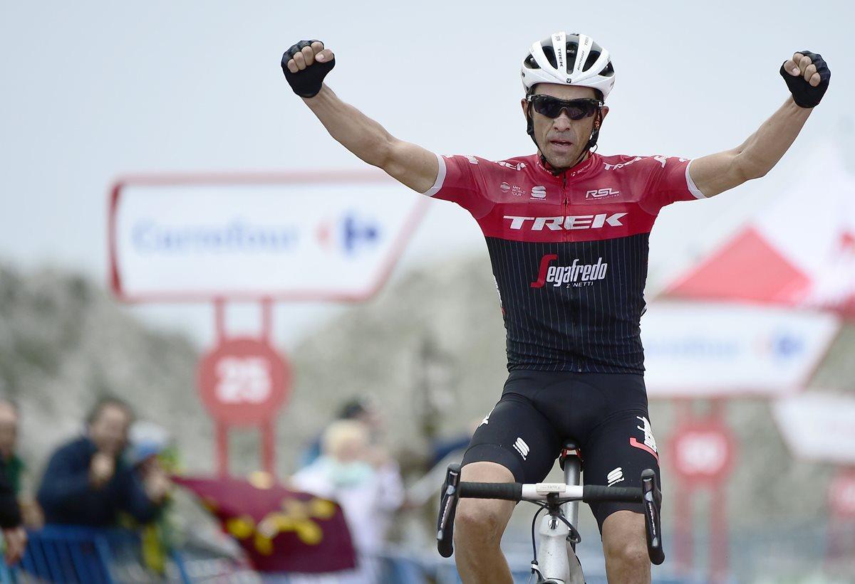 Alegría para Alberto Contador en la peúltima etapa de su carrera