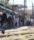 La Línea es un sector concurrido en la zona 1 y a diario hay personas que trabajan en prostitución y quienes demandan el servicio sexual. (Foto Prensa Libre: Erick Ávila)