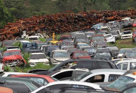 PMT advierte a quienes dejan vehículos abandonados en la vía pública