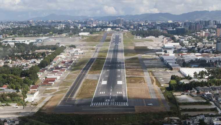 La Dirección General de Aeronáutica Civil aseguran que la certificación garantiza la seguridad aérea. (Foto Prensa Libre: Cortesía DGAC)