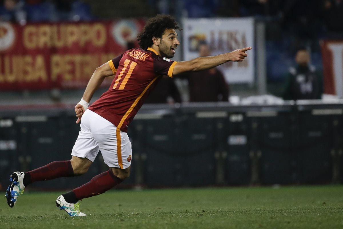 El Liverpool ha oficializado el fichaje, para las próximas cinco temporadas, del extremo internacional egipcio Mohamed Salah. (Foto Prensa Libre: AFP)