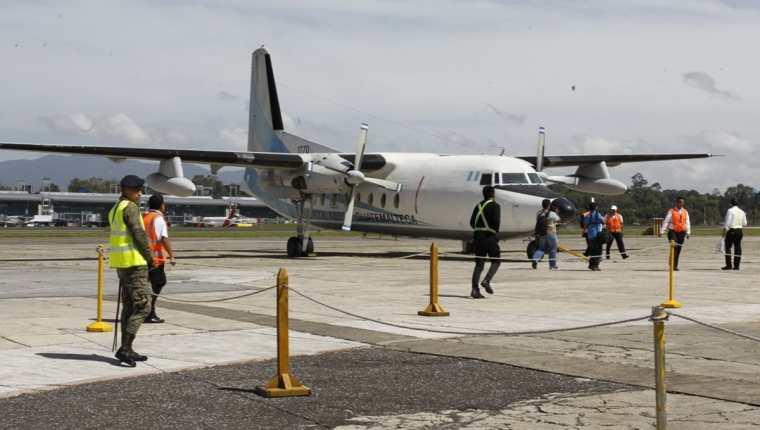 Realizan simulacro de acto terrorista en la Fuerza Aérea de Guatemala y el Aeropuerto Internacional la Aurora. (Foto Prensa Libre: Paulo Raquec)