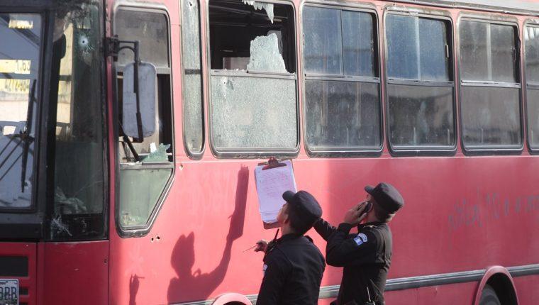 El transporte público es el principal blanco de extorsión por grupos de pandilleros en Guatemala. (Foto Prensa LIbre: Hemeroteca PL)