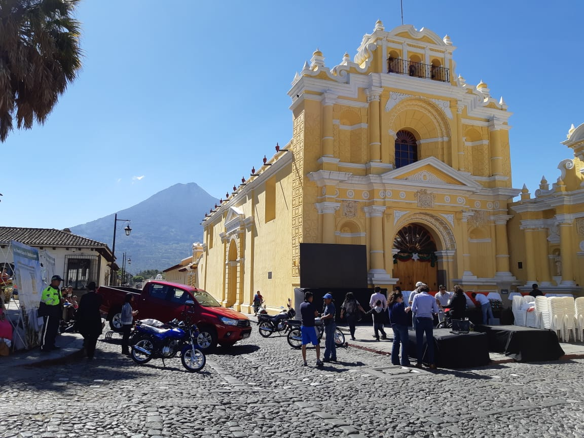 La rifa se llevó a cabo en Antigua Guatemala, Sacatepéquez. (Foto Prensa Libre: Julio Sicán)
