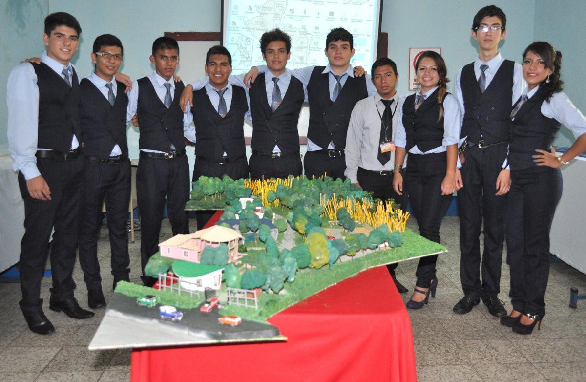Graduandos proponen mejoras para parque ecológico de Coatepeque