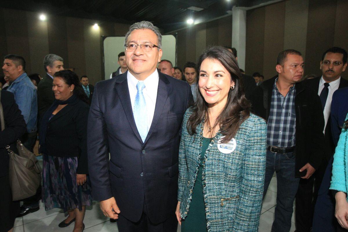 Bonerge Mejía y María Cristina Fernández, luego de conocer los resultados (Foto Prensa Libre: Esbin García)