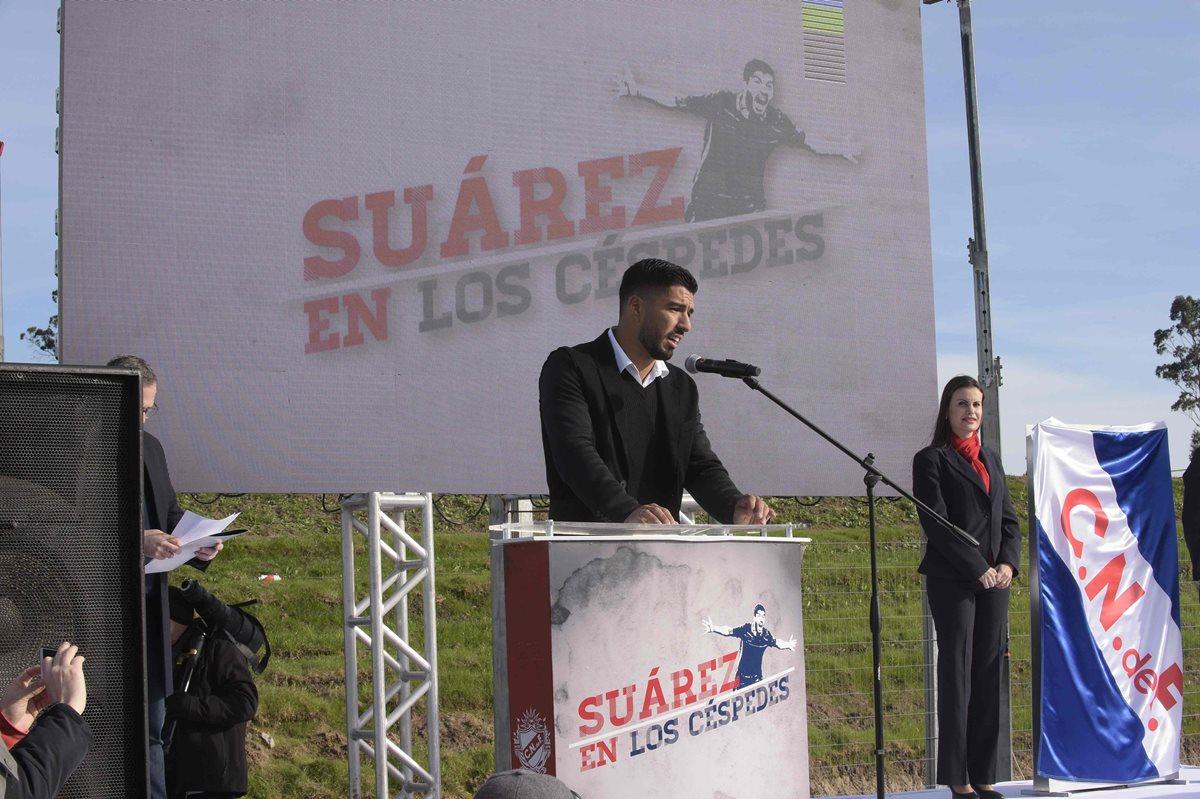 Nacional de Uruguay inaugura cancha bautizada con nombre de Luis Suárez