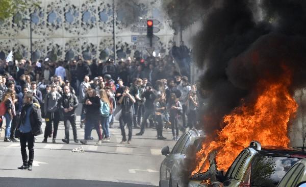 Disturbios se registran durante protestas de Francia