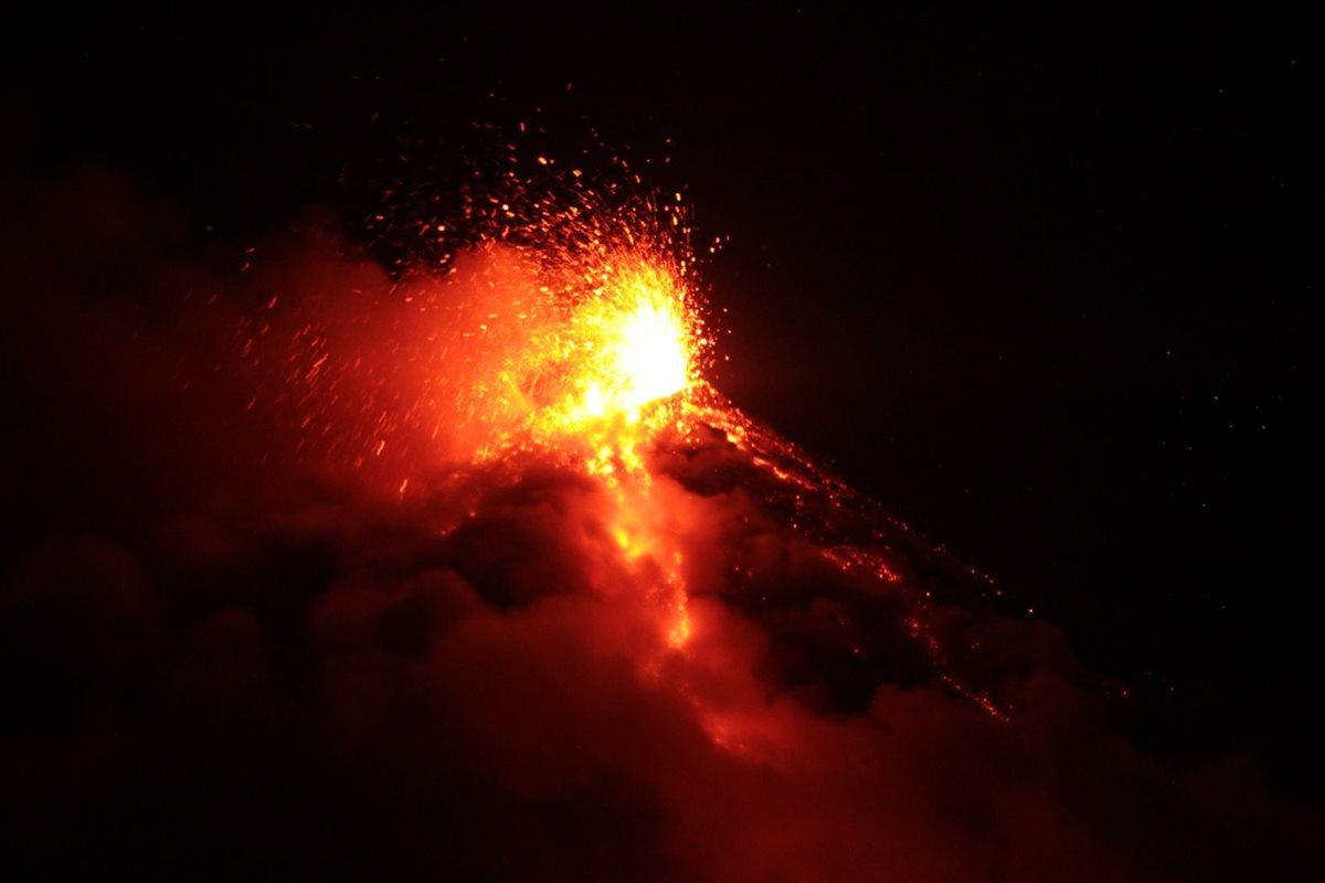 Imagen del Volcán de Fuego en erupción (Foto Prensa Libre: Archivo)