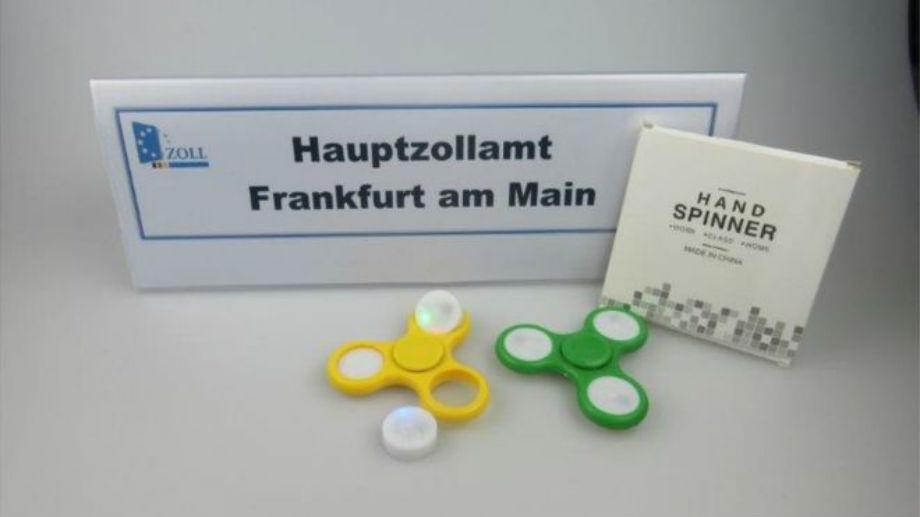 Por qué el aeropuerto de Frankfurt confiscó 35 toneladas de fidget spinners, el juguete que fascina a los niños