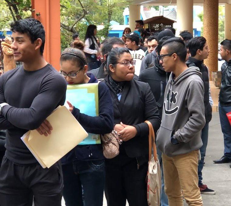 En enero de 2018 se realizó la primera feria de empleo donde se ofrecieron 500 plazas de empleo y asistieron más de cuatro mil jóvenes. (Foto Prensa Libre: Cortesía)