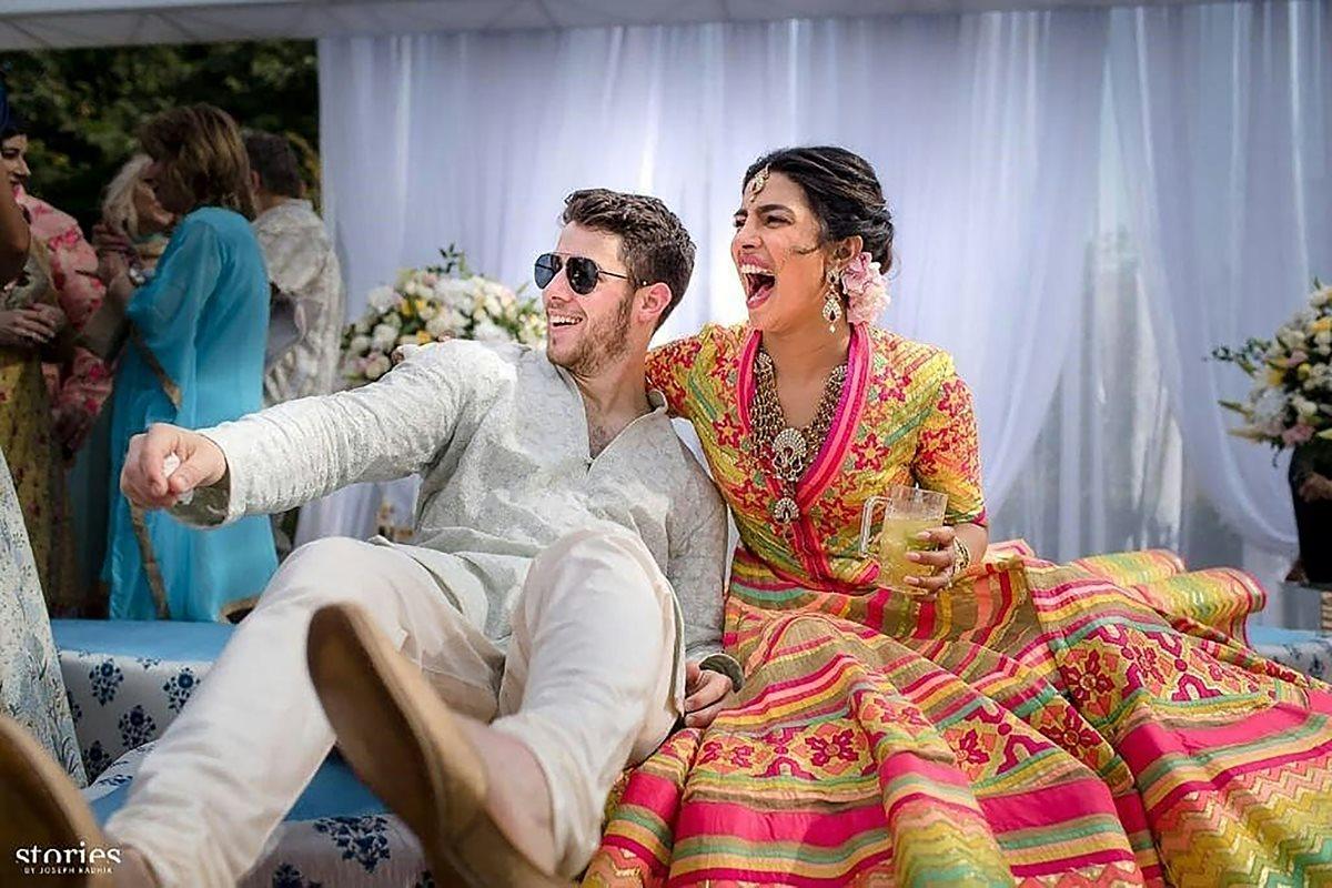 Priyanka Chopra y Nick Jonas, durante la celebración de su boda (Foto Prensa Libre: AFP / Raindrop Media).