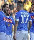 EL Napoli, campeón de invierto la semana pasada, buscará mantener la buena racha en el partido del domingo contra el Sassuolo. (Foto Prensa Libre: AP)