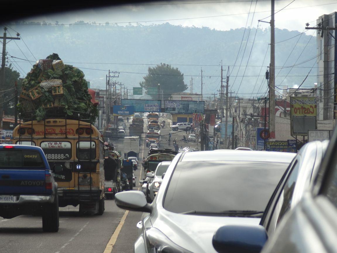 Tránsito se complica en Chimaltenango y El Tejar durante asueto