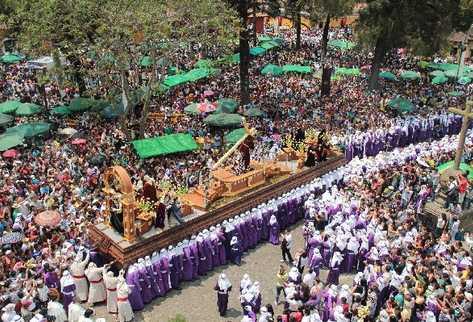 Treinta y seis procesiones recorren las calles de Antigua Guatemala  y sus aldeas cada año. Unos 600 agentes de la PNC serán destinados a mantener la seguridad.