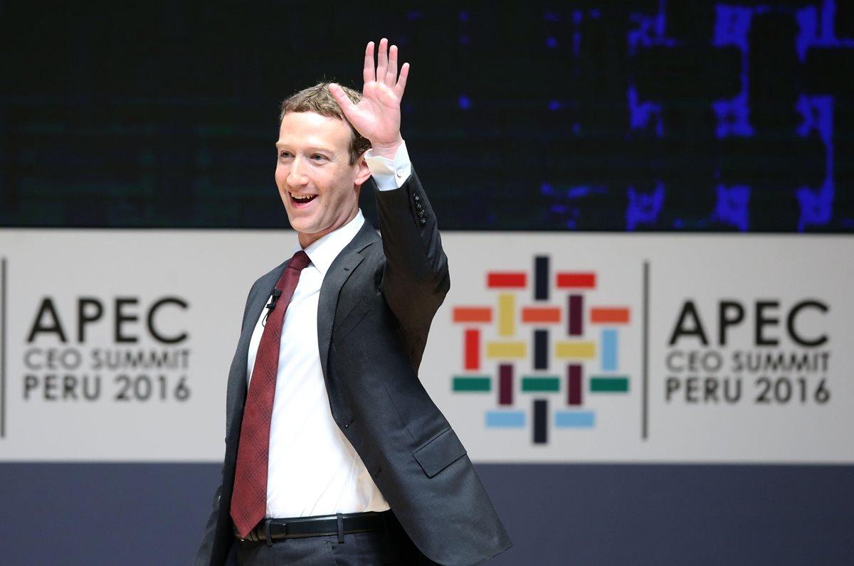 El fundador de Facebook, Mark Zuckerberg, participó el sábado en la conferencia y reunión de empresarios de APEC.