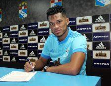 El panameño Rolando Blackburn, exjugador de Comunicaciones, se convirtió en el nuevo jugador del Sporting Cristal de Perú. (Foto Prensa Libre: Sporting Cristal)