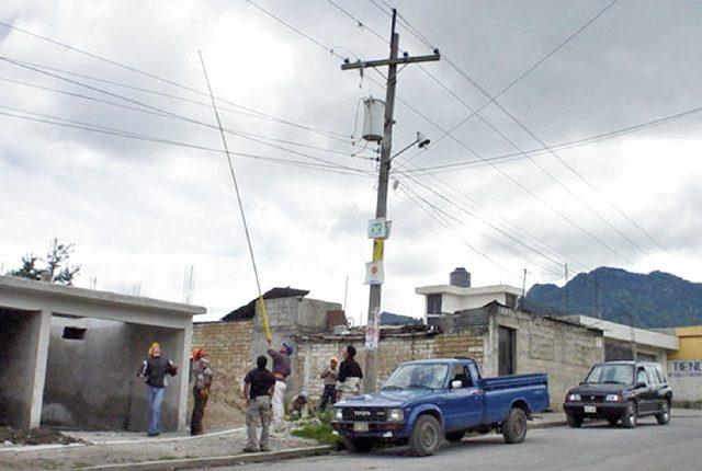 empresa distribuidora ha desconectado lámparas del alumbrado público en cuatro municipios, debido a la falta de pago.