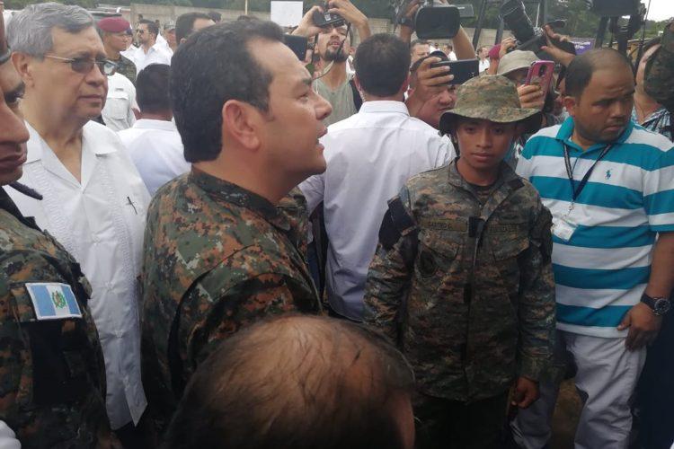 El presidente realizó la supervisión de Albergues de Transición Unifamiliares que se construyen en Escuintla.