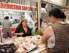 Pierna y cuadril de pollo importado han subido de precio debido al arancel.