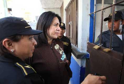 Marlene raquel Blanco Lapola, ex viceministra de Seguridad,  ingresa en la cárcel para mujeres Santa Teresa, ubicada en la zona 18.