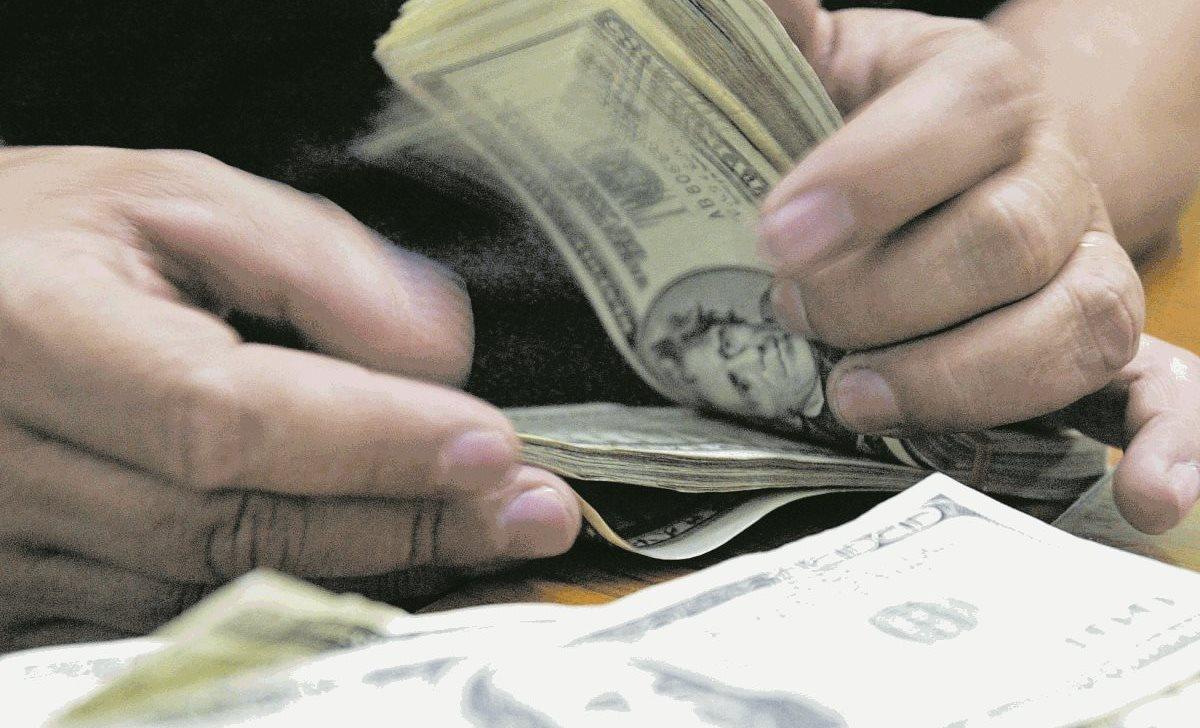 El dólar ha perdido 17 centavos respecto al quetzal.