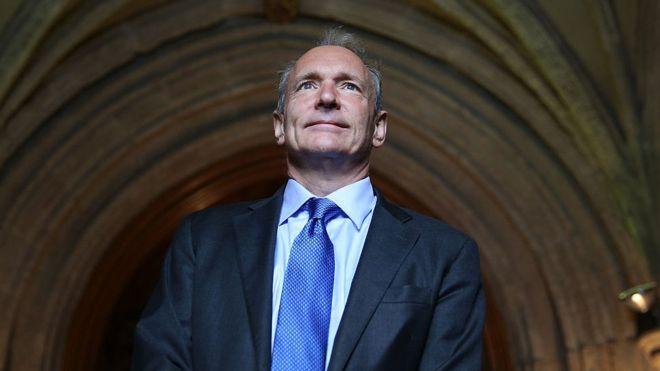 El informático teórico británico Tim Berners-Lee inventó la web hace 29 años, ¿la concibió como es ahora? GETTY IMAGES
