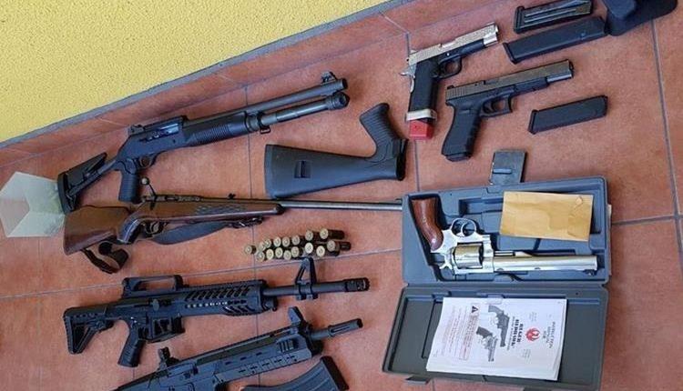 La PNC investiga el paradero de cuatro fusiles que fueron vistos por última vez en la sede central del Deic. (Foto HemerotecaPL)