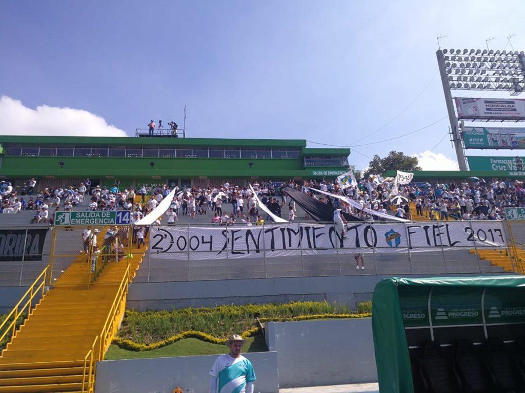 Así lució la preferencia del estadio Cementos Progreso durante el partido Comunicaciones vs Iztapa.