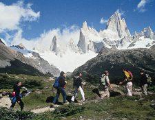 Dos montañistas residentes en Suiza, fueron hallados muertos el sábado de casualidad por otros escaladores en el cerro El Chaltén (Foto Prensa Libre: tomada de internet)