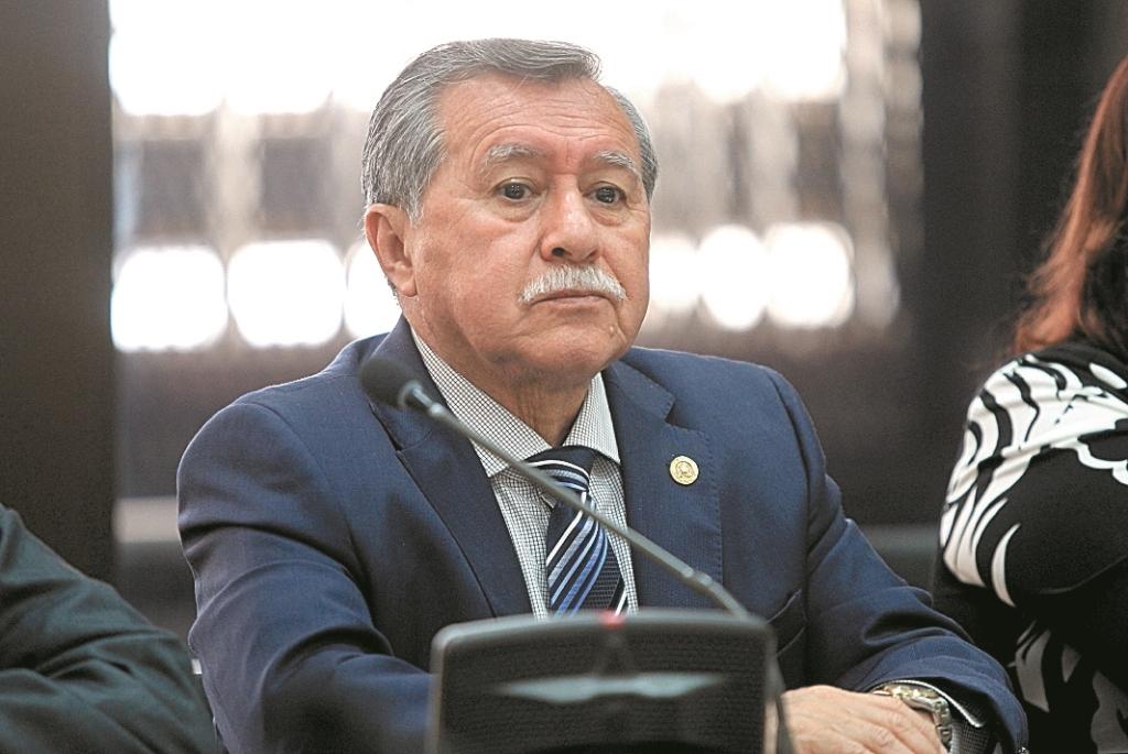 Édgar Ovalle, diputado de FCN Nación, ha evadido la justicia que lo señala por muerte de civiles en una base militar de Cobán. (Foto Prensa Libre: Hemeroteca PL)